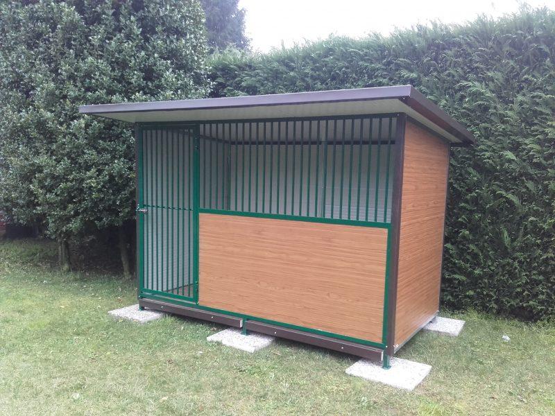 Box per cani singolo modello standard variante con pannelli finto legno